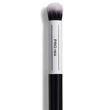 Makeup Revolution Pro 150 Small Domed Fluffy Brush