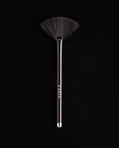 Image of   ROCK Makeup Artist Brushes - Pro Fan Brush