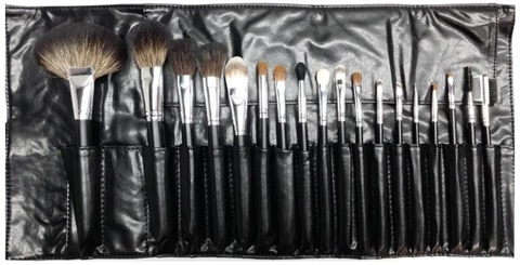 Image of   Morphe 18 PIECE SABLE BRUSH SET 681